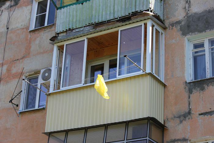 Остекление балконов и лоджий алюминиевым профилем.